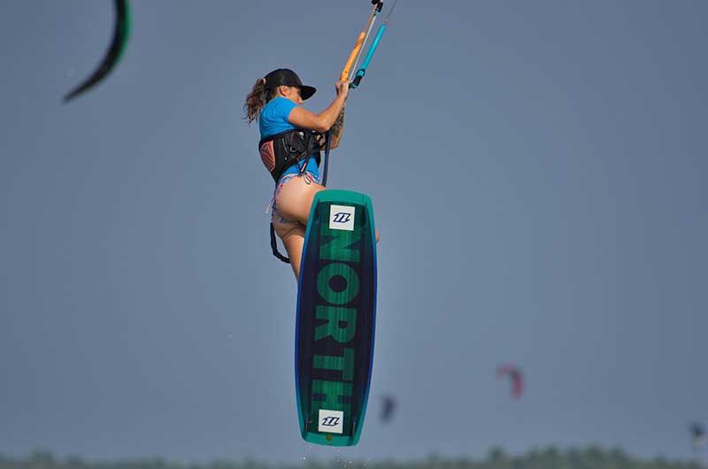 ride your kite in Kalpitiya