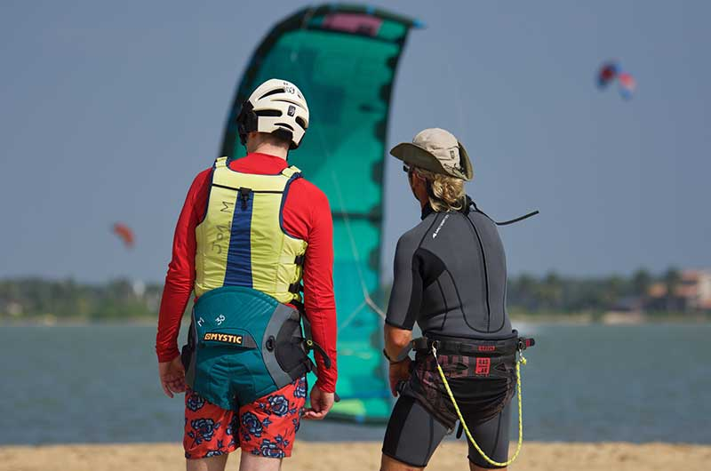 learn kitesurfing in Kalpitiya