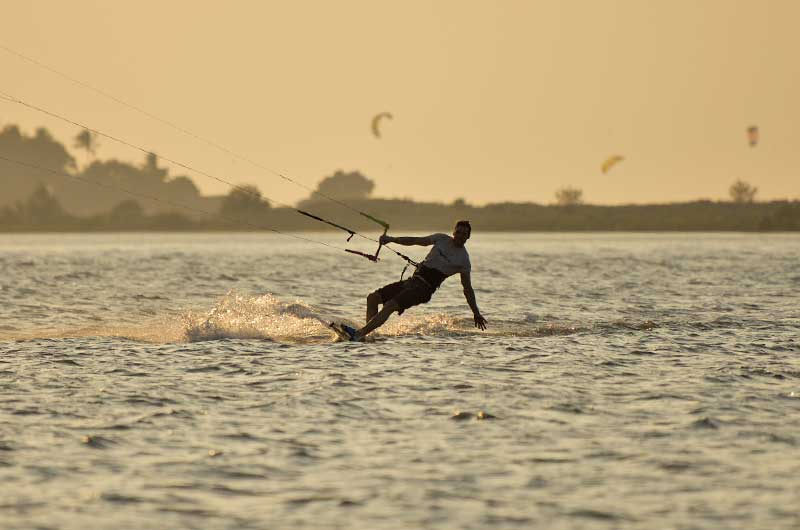 ride your kite in Sri Lanka