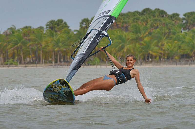 windsurfing in sri lanka at de silva windresort