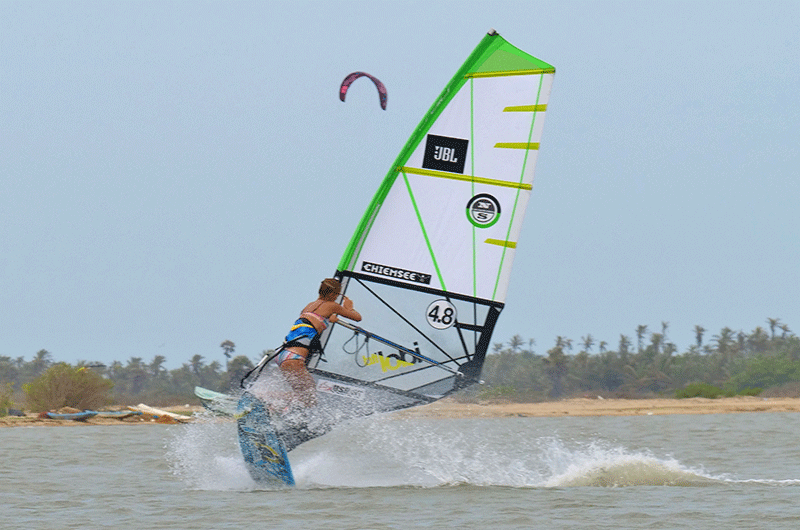air jibe windsurfing in sri lanka