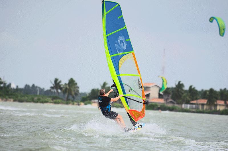 windsurf gliding in sri lanka kalpitiya