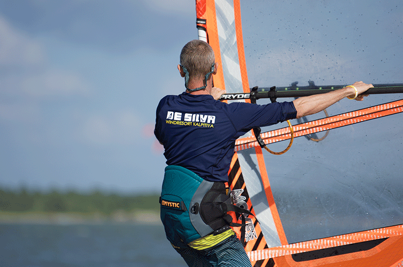 windsurfing in sri lanka pro rigg