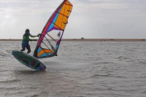 sri lankan waterman windsurf freestyle