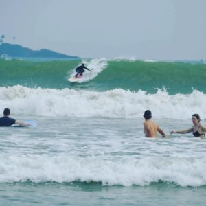 waterman sri lanka wave riding