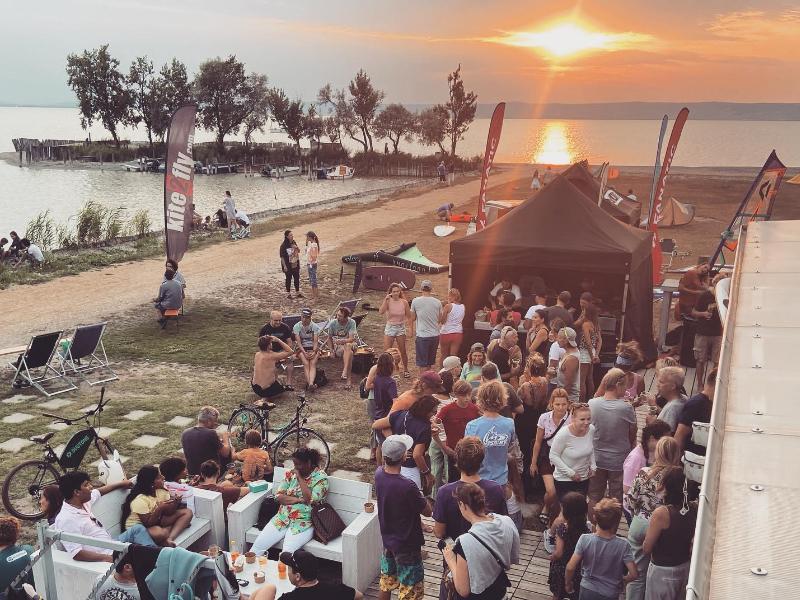 surf store UpSideDown Podersdorf Sri Lanka